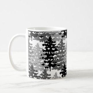 Caneca De Café Pinheiros rústicos do feriado de inverno da