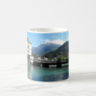 Caneca De Café Ponte em Interlaken na suiça
