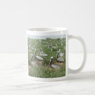 Caneca De Café Ponto do assentamento do pelicano de Brown