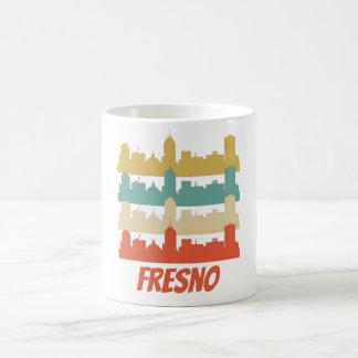 Caneca De Café Pop art retro da skyline de Fresno CA