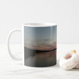 Caneca De Café Por do sol do deserto no lago