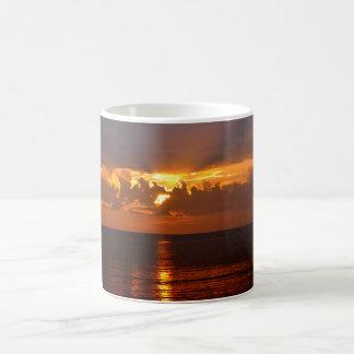Caneca De Café por do sol dourado