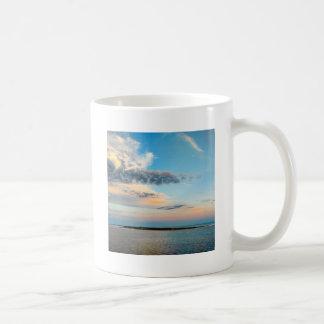 Caneca De Café Por do sol sobre a ilha
