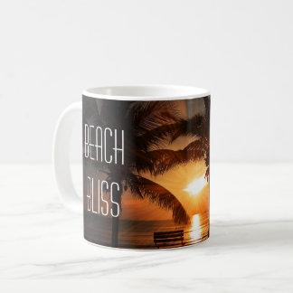 Caneca De Café Por do sol tropical e palmeiras da felicidade da