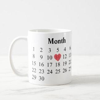 Caneca De Café Presente do aniversário - calendário & anéis