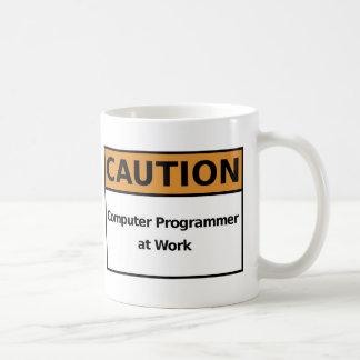 Caneca De Café Programador de computador no trabalho