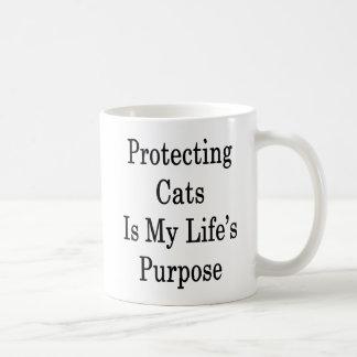 Caneca De Café Proteger gatos é a finalidade da minha vida