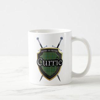 Caneca De Café Protetor & espadas escoceses do Tartan de Currie