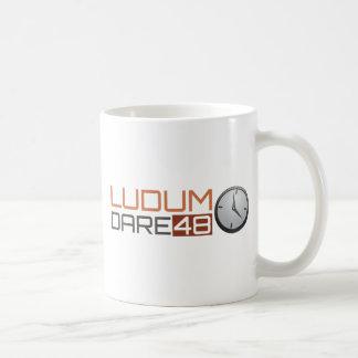 Caneca De Café Pulso de disparo brilhante do desafio de Ludum