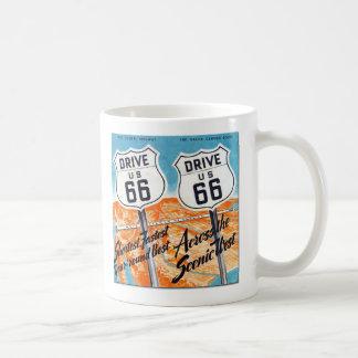 Caneca de café retro do guia da rota 66 dos E.U.
