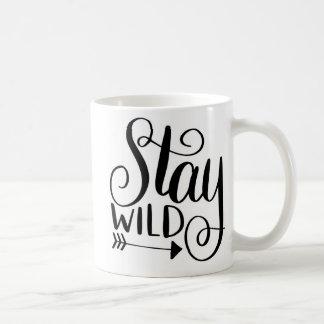 Caneca de café selvagem da estada