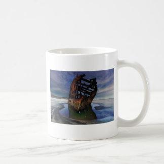 Caneca De Café Shipwreck de Peter Iredale sob o céu nocturno