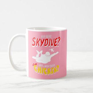 Caneca De Café Skydive ou galinha? (branco)