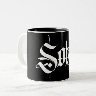 Caneca de café sóbrio da caligrafia