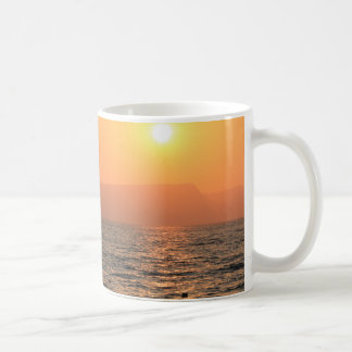 Caneca De Café sol ajustado no mar de Galilee
