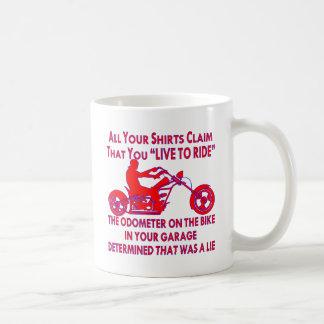 """Caneca De Café Sua camisa reivindica que você """"vive para montar"""""""