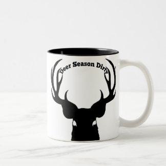 Caneca de café suja da estação dos cervos