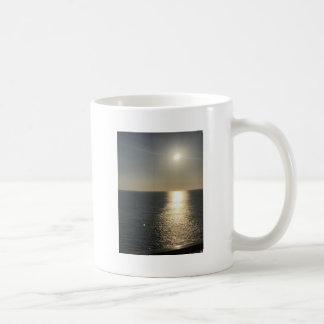 Caneca De Café Sun na água