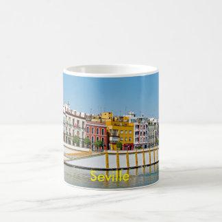 Caneca De Café Terraplenagem do rio de Guadalquivir em Sevilha