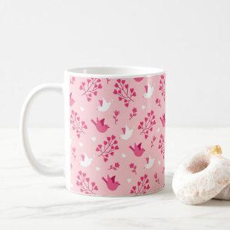 Caneca De Café Teste padrão floral do rosa dos pássaros do amor