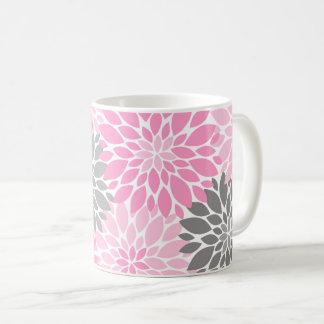 Caneca De Café Teste padrão floral dos crisântemos cor-de-rosa e