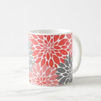 Caneca De Café Teste padrão floral dos crisântemos corais e