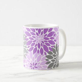 Caneca De Café Teste padrão floral dos crisântemos roxos e