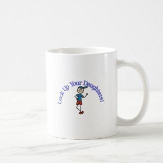 Caneca De Café Trave acima suas filhas