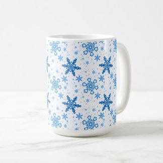 Caneca De Café Turquesa dos flocos de neve no branco