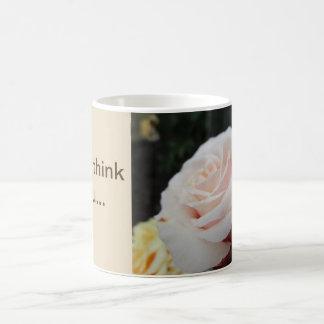 Caneca De Café Um rosa e um pensamento