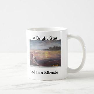 Caneca De Café Uma estrela brilhante conduzida a um milagre