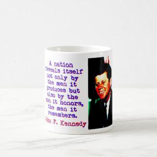 Caneca De Café Uma nação revela-se - John Kennedy