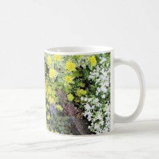 Caneca De Café Vegetações rasteira do primavera