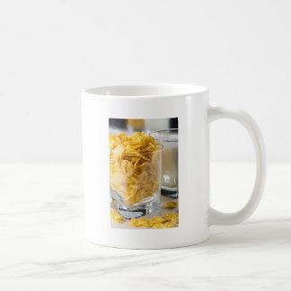 Caneca De Café Vidro do cereal seco e um vidro do leite
