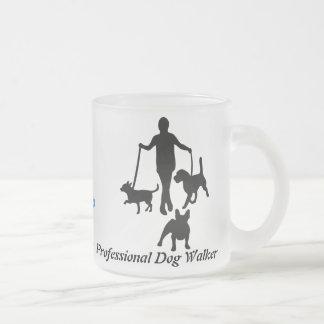 Caneca De Café Vidro Jateado Caminhante profissional do cão