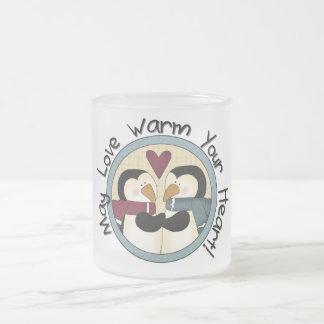 Caneca De Café Vidro Jateado Camiseta e presentes do feriado do amor do pinguim