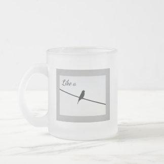 Caneca De Café Vidro Jateado Como um pássaro em um fio