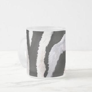 Caneca De Café Vidro Jateado Listras da zebra (arte de Kimberly Turnbull)