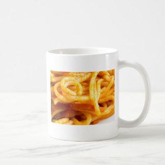 Caneca De Café Vista macro detalhada nos espaguetes cozinhados em