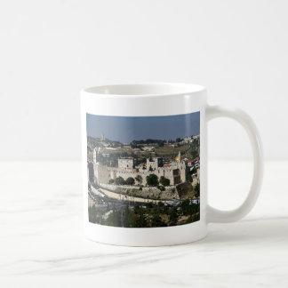Caneca De Café Vista para um Torre de Davi e o Domo a Dinamarca