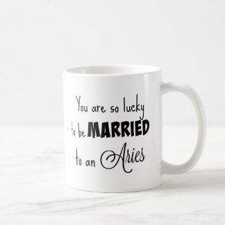Caneca De Café Você é tão afortunado para ser casado a um Aries