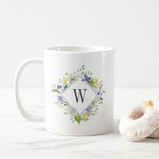 Caneca De Café Wildflowers da caminhada da natureza com monograma
