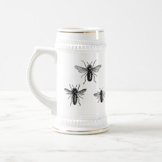 Caneca de cerveja antiga da abelha do zangão