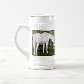 Caneca De Cerveja Cena impressionante da fantasia do cavalo branco