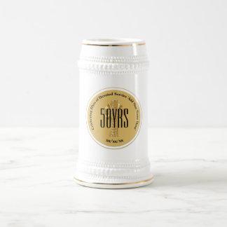 Caneca De Cerveja Classificação dourada do aniversário da FREIRA do