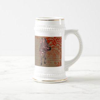 Caneca de cerveja cor-de-rosa do ornamentado do br
