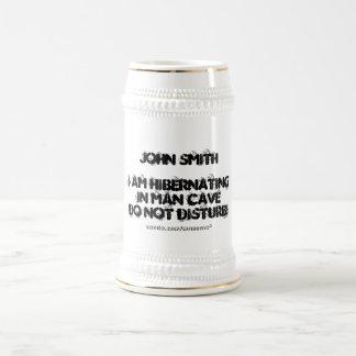 Caneca De Cerveja Hibernating na caverna do homem