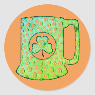 Caneca de cerveja irlandesa do trevo, etiqueta