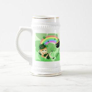 Caneca De Cerveja Menina do leprechaun de Chibi