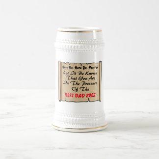 Caneca De Cerveja Na presença do melhor pai nunca -